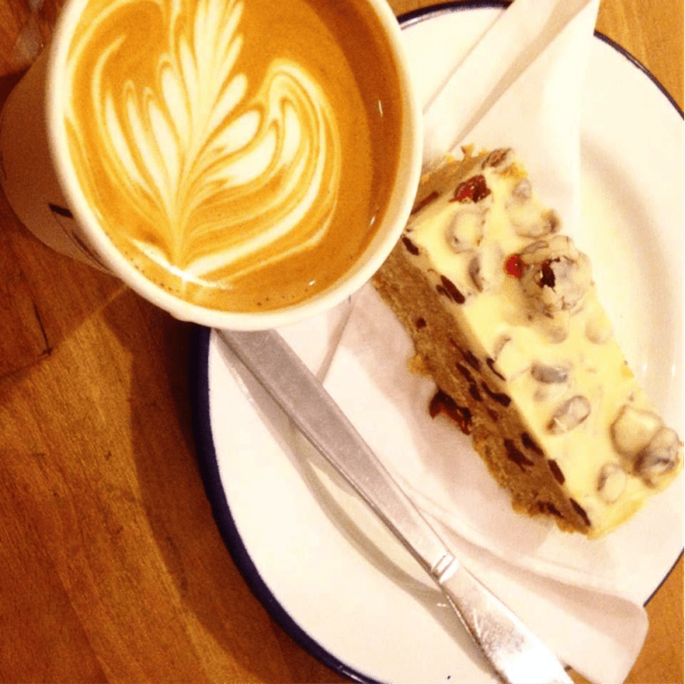Flat white and tiffin | © Flat White Durham