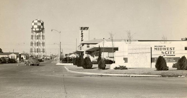 Midwest City in the 1940s | © Carolyn Cuskey/Flickr