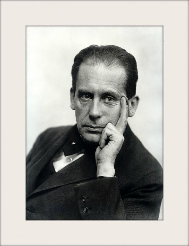 Walter Gropius © Louis Held/Wikipedia