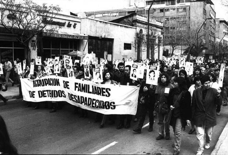 The Mothers of la Plaza de Mayo   © Sat macphisto/WikiCommons