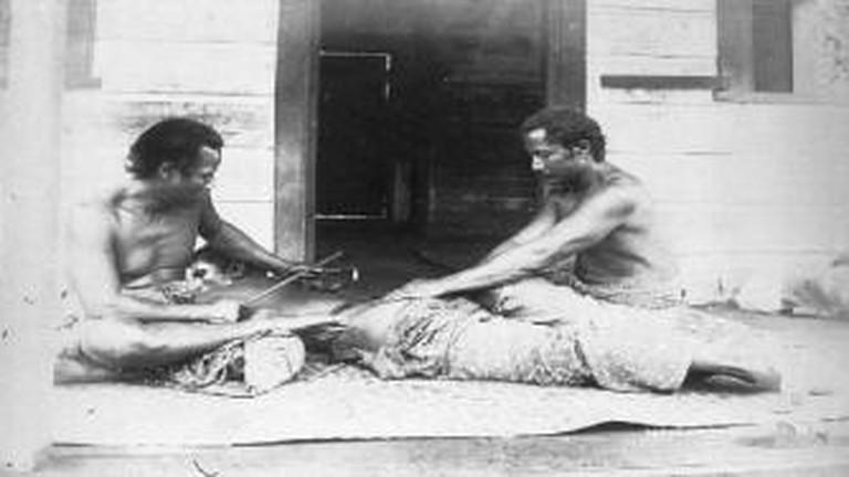 Samoan Tatau | © Thomas Andrew/WikiCommons