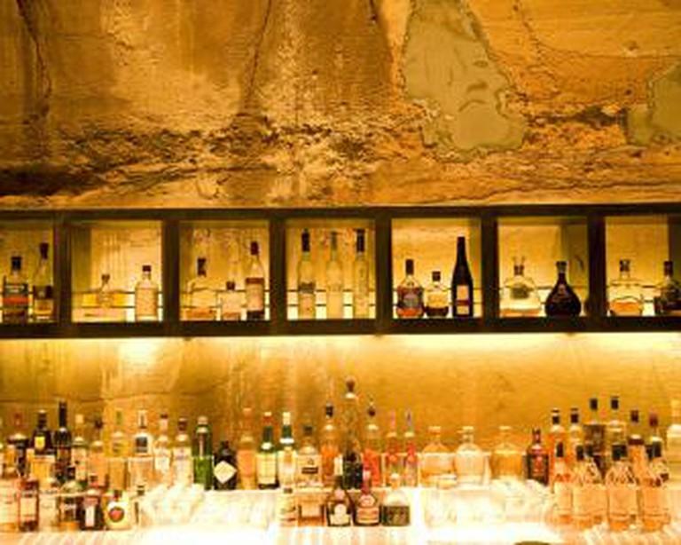 VOID Bar MONA