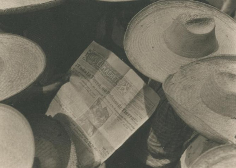 Tina Modotti, Workers Reading El Machete