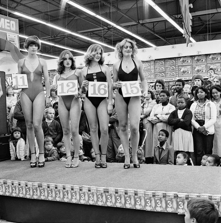 Saturday morning at the Hypermarket: Semi-final of the Miss Lovely Legs Competition, 28 June 1980 From the series In Boksburg