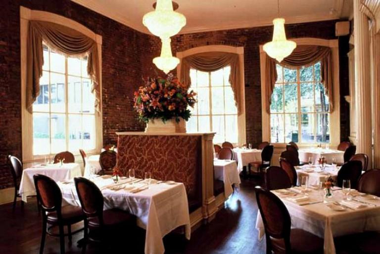 Restaurant August