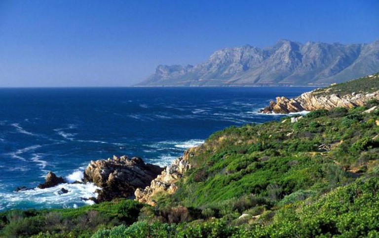 Gecko Tours - Robben Island and Victoria & Alfred Waterfront tour
