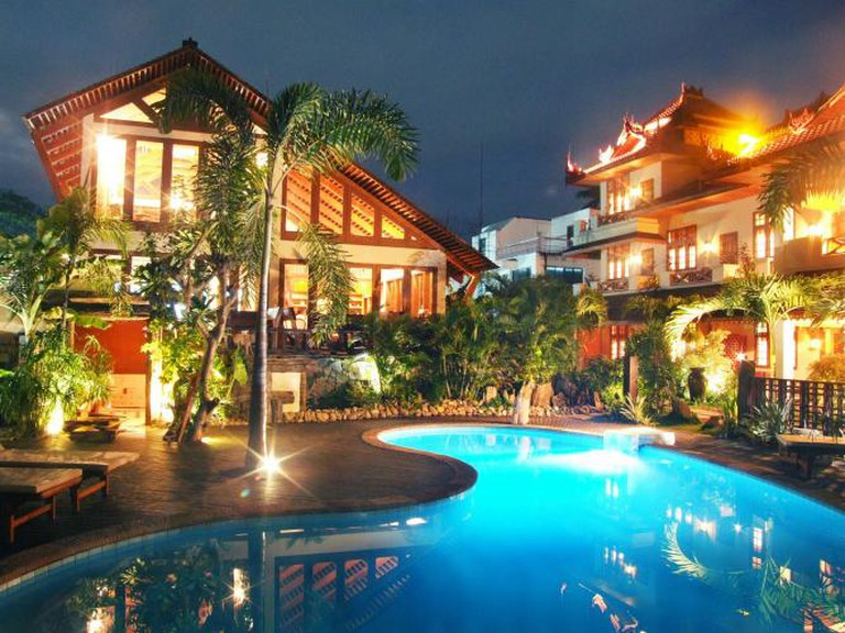 The exterior of the restaurant overlooking the pool | © Spice Garden