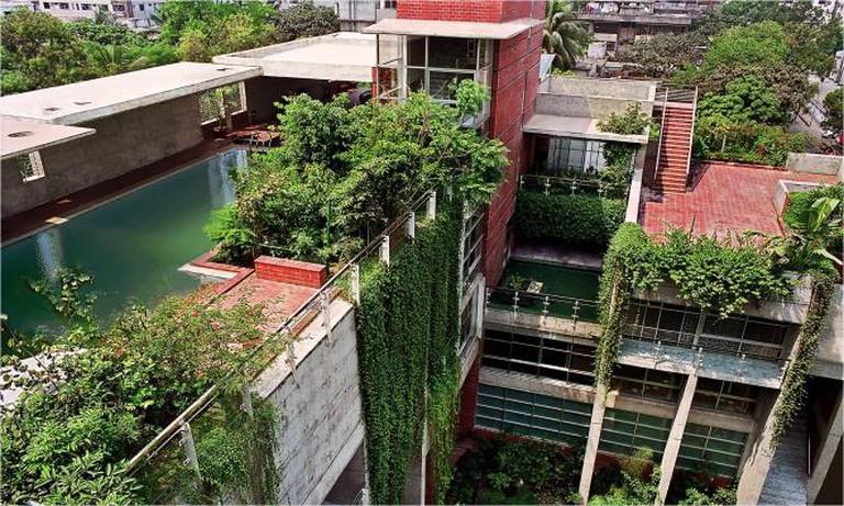 Jangla (Jungle) & Ghatla (Steps) into the water, Dhaka, Bangladesh (2007) | © Hasan Saifuddin Chandan