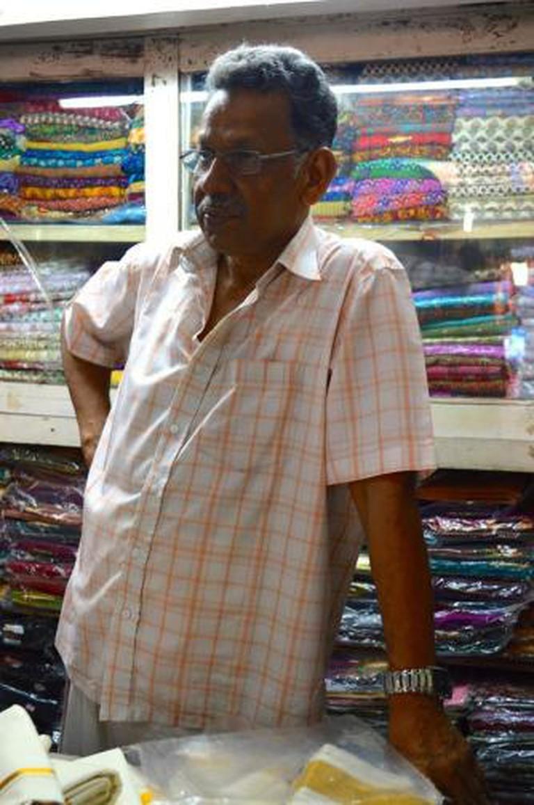 Chalai Bazaar, Fabric Vendor | © Touran Samii