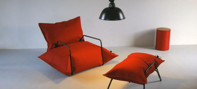 Wool and Air Collection Armchair