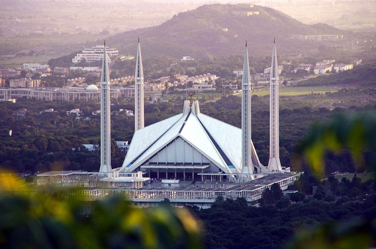 Faisal Mosque | © _rh/Flickr