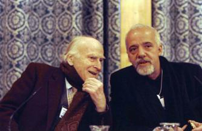 Paulo Coelho with Yehudi Menuhin © World Economic Forum/WikiCommons