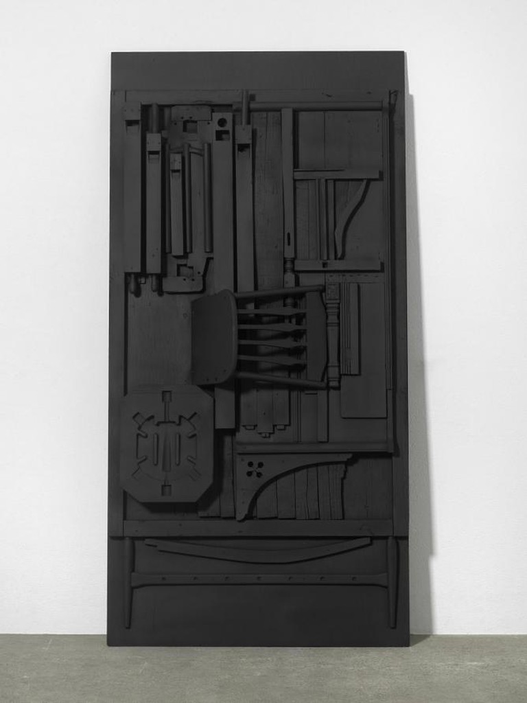 Nevelson_Untitled_ca.1976_wood painted black_243,8x122x33cm