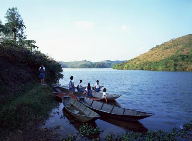 Weng Fen, Staring at the Lake, 2007