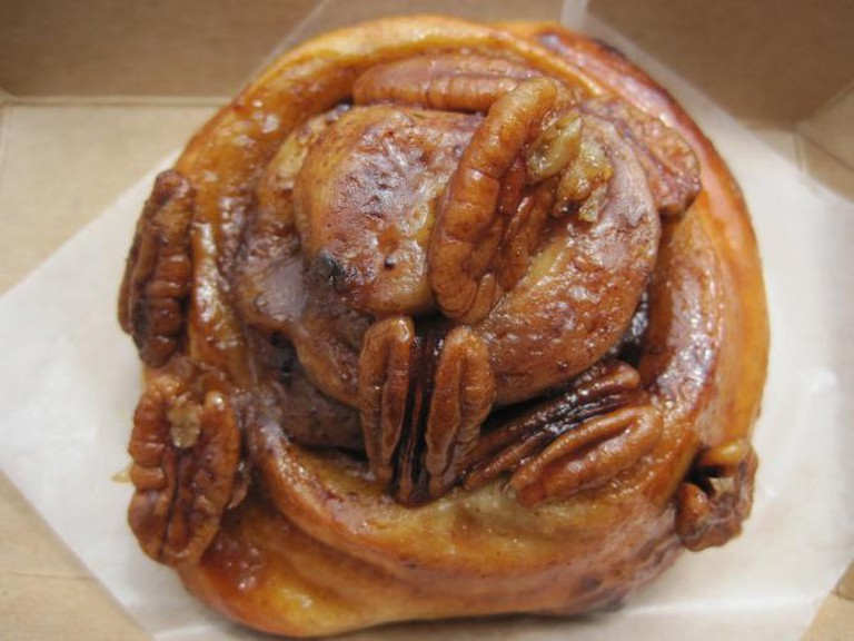 Pecan Cinnamon Bun | © Kim/Flickr
