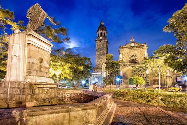 King Carlos IV and the Manila Cathedral | © Agustin Rafael Reyes/Flickr