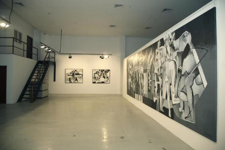 Dia Azzawi, Elegy to my Trapped City, installation view, Meem Gallery 2012