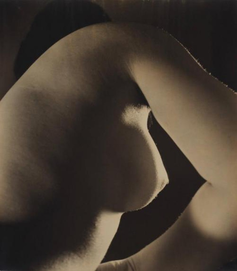Yasuzō Nojima, Title unknown, ca. 1933, no. 152/NY-A145, gelatin silver print. Collection of The National Museum of Modern Art, Kyoto