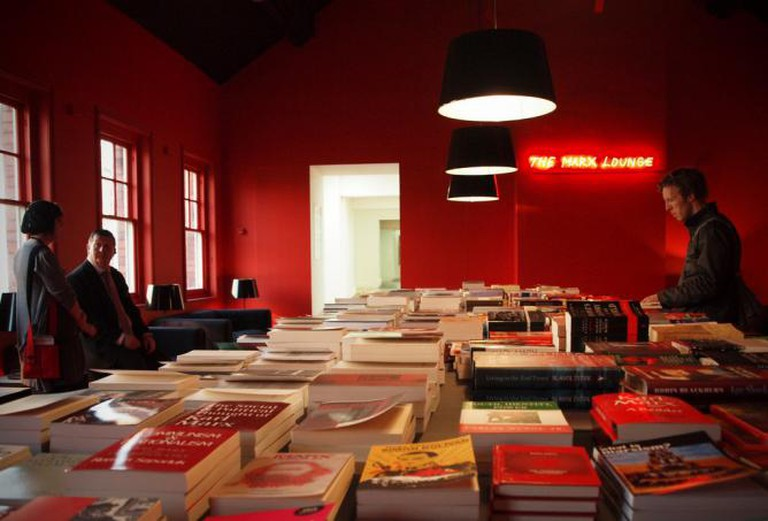 Alfredo Jaar, The Marx Lounge – Liverpool Biennial 2010 /