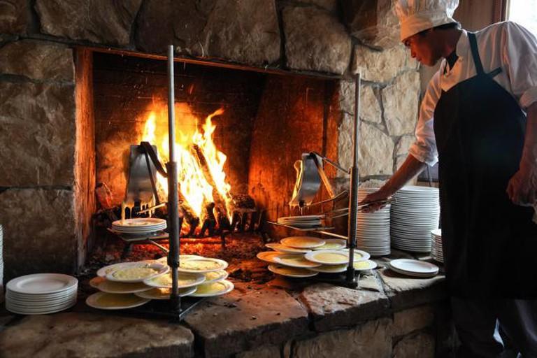 Fireside Dining | Image Courtesy of Fireside