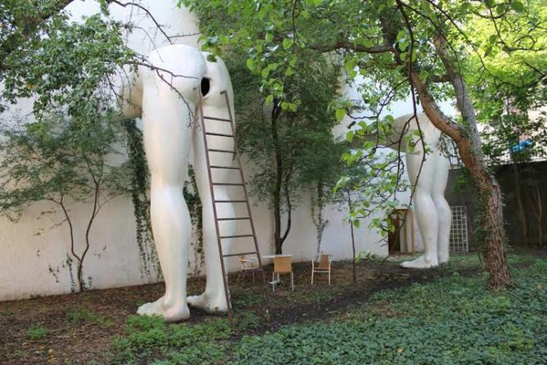 David Ĉerný, Brownnosers, FUTURA Centre for Contemporary Art, 2004
