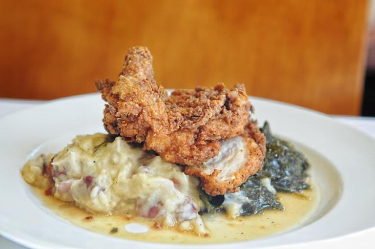 Buttermilk Fried Springer Mountain Farms Chicken | © Andrew Thomas Lee/Courtesy of South City Kitchen Midtown