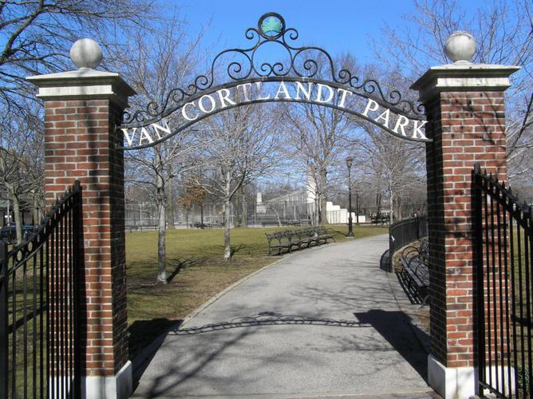 Entrance to Van Cortlandt Park | © Anthony22/WikiCommons