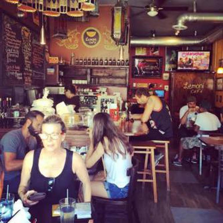 Lemoni Café
