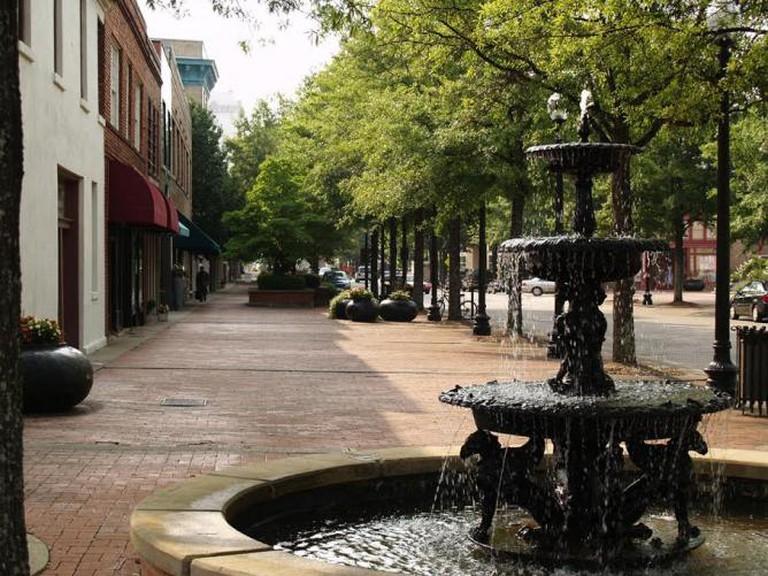 Downtown Fayetteville © KMayner78/WikiCommons