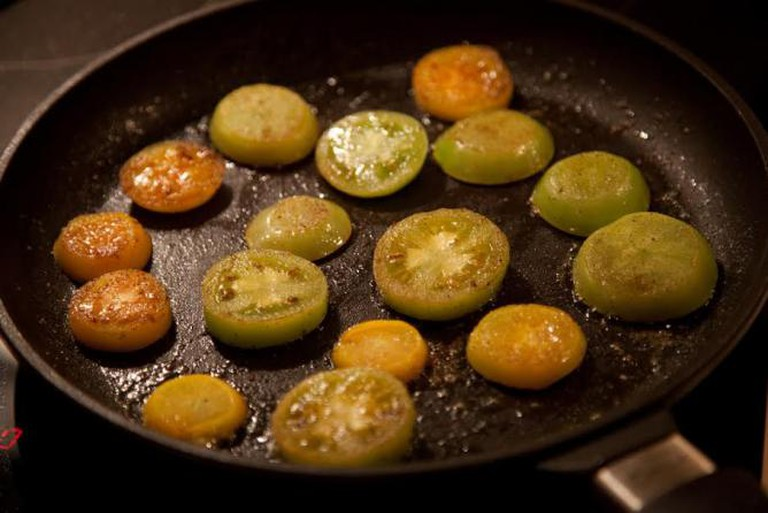 Fried green tomatoes © eirikso/flickr
