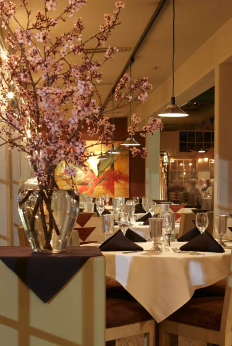Spring ambiance in the dining room