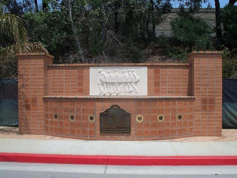Beach Boys Memorial, Hawthorne | © tkksummers/Wikimedia Commons