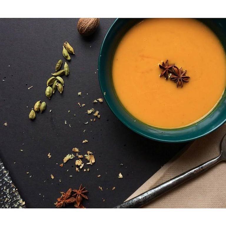 Vegan carrot soup | Courtesy of DelisheeeYo