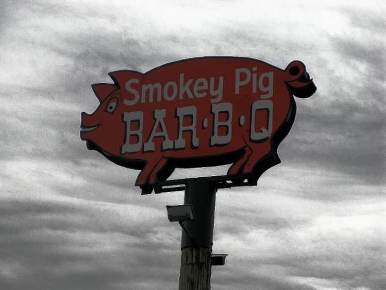 Smokey Pig BBQ sign   © frankieleon/Flickr
