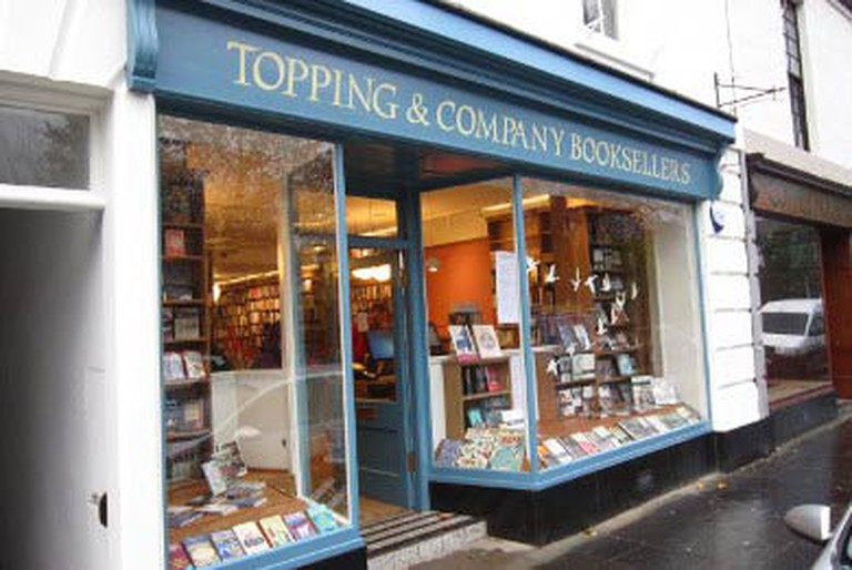 A sourced image: Toppings Shop Front | Courtesy Toppings Books
