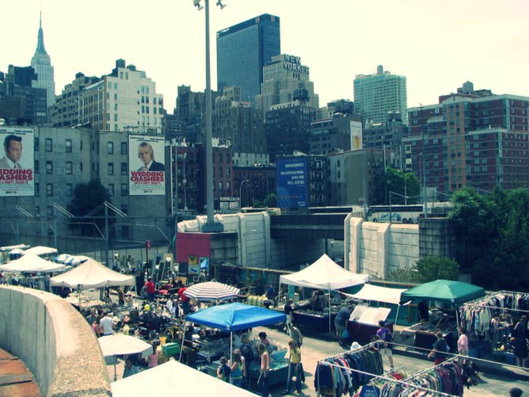Hell's Kitchen Flea Market | © IseFire/Flickr