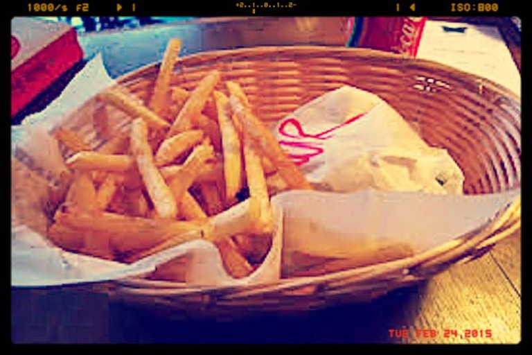 Wrapped Veggie Burger with Fries | © Ewan Munro/Flickr