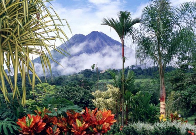 "Volcán Arenal National Park, home of the ""world's remotest pizzeria"" 