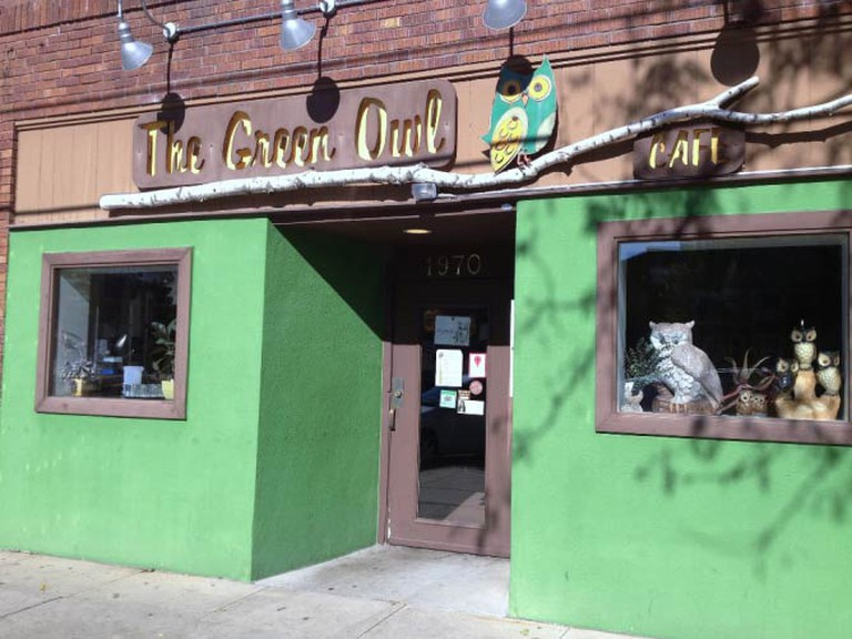 The Green Owl Cafe (c) Molly Ⓥ/Flickrcommons
