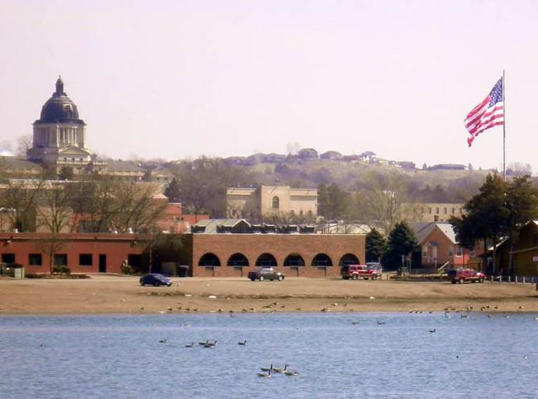 Pierre, South Dakota, on the Missouri River   © Alanscottwalker/WikimediaCommons