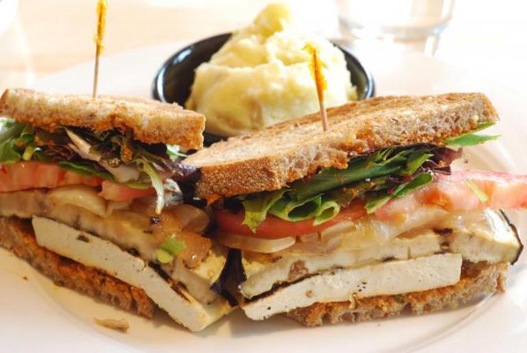 Grilled Eggplant and Tofu Sandwich (c) Howard Walfish/Flickrcommons