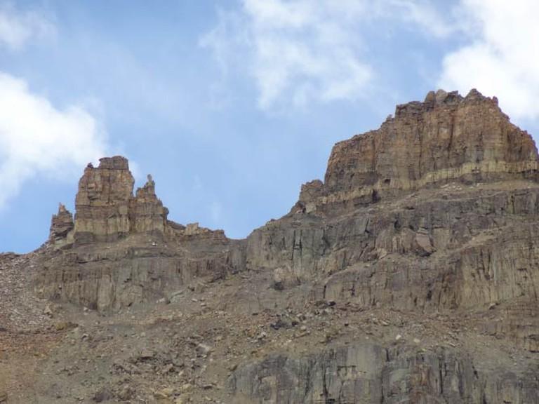 The silent rocks.