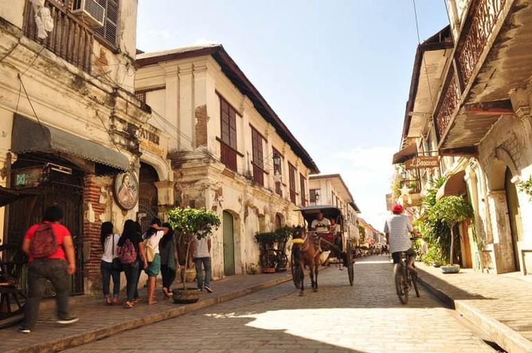 Calle Crisologo, Vigan City, Ilocos Sur by Joelador | Wikimedia Commons