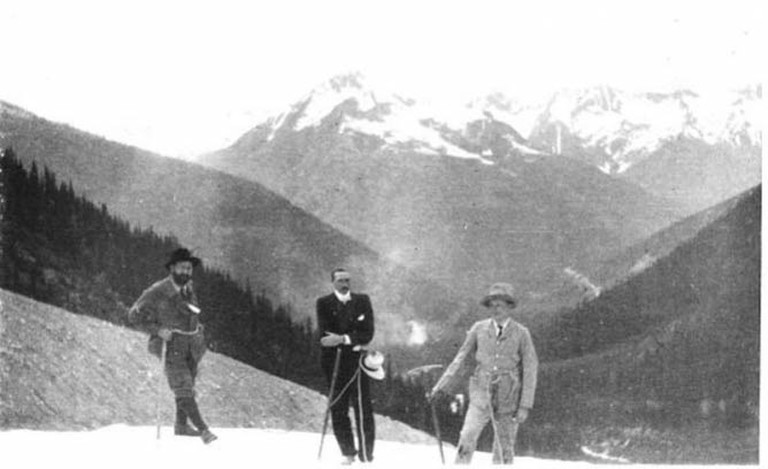 Photo RTW_vol_5_141, Glacier National Park, Canada, June 1903, [Hugo Bell and two other men, on Glacier] © The Gertrude Bell Archive, Newcastle University