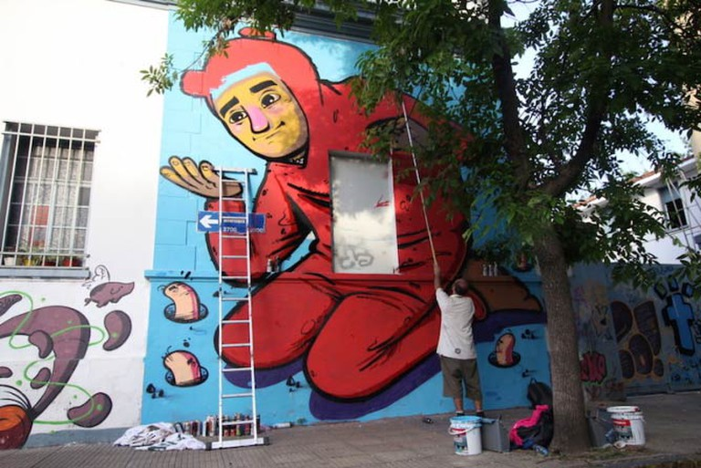 Giant character painted by Cof on a wall of Hospital Pirovano in Coghlan | © Buenos Aires Street Art
