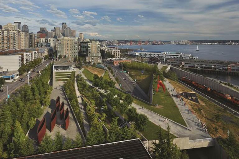 Olympic Sculpture Park | © Benjamin Benschneider/Courtesy of Seattle Art Museum