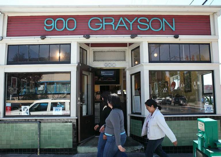 900 Grayson