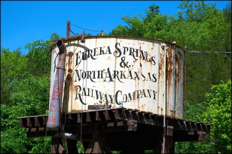 An old water tower on display at the Eureka Springs and Northern Arkansas Railway station, Eureka Springs | © Doug Wertman/FlickrCommons
