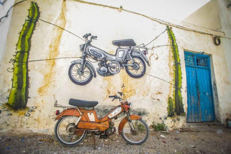 Mural in the Djerbahood Project by artist Malakkai   Photo © Aline Deschamps - Galerie Itinerrance