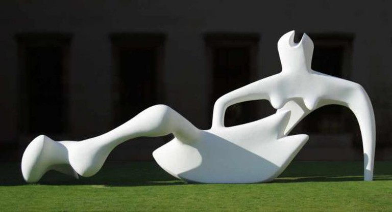 'Reclining Figure' (1951) by Henry Moore | © Solipsist/WikiCommons